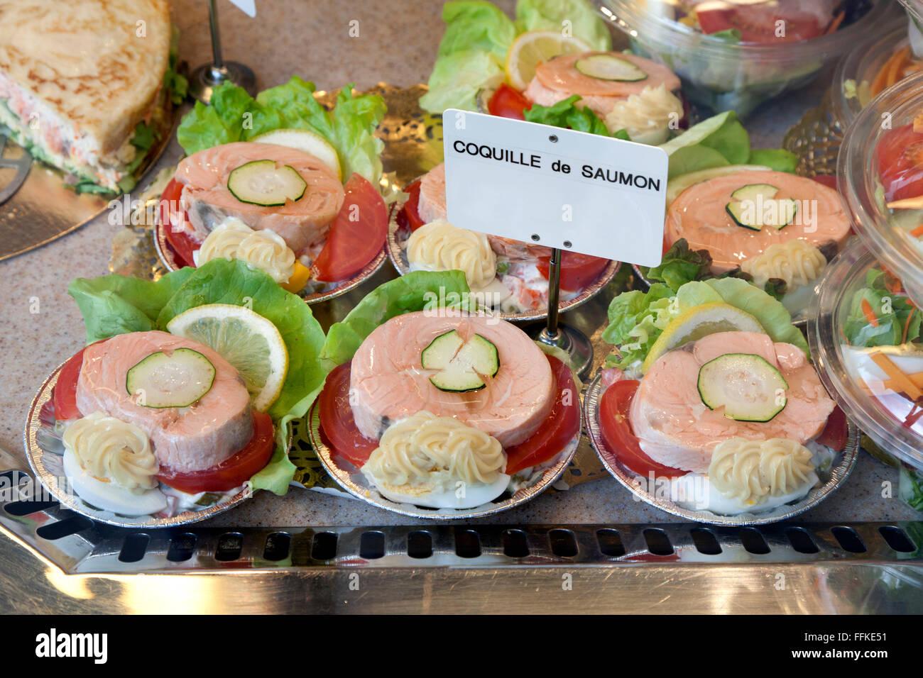 Le saumon poché lave prêt à servir Photo Stock
