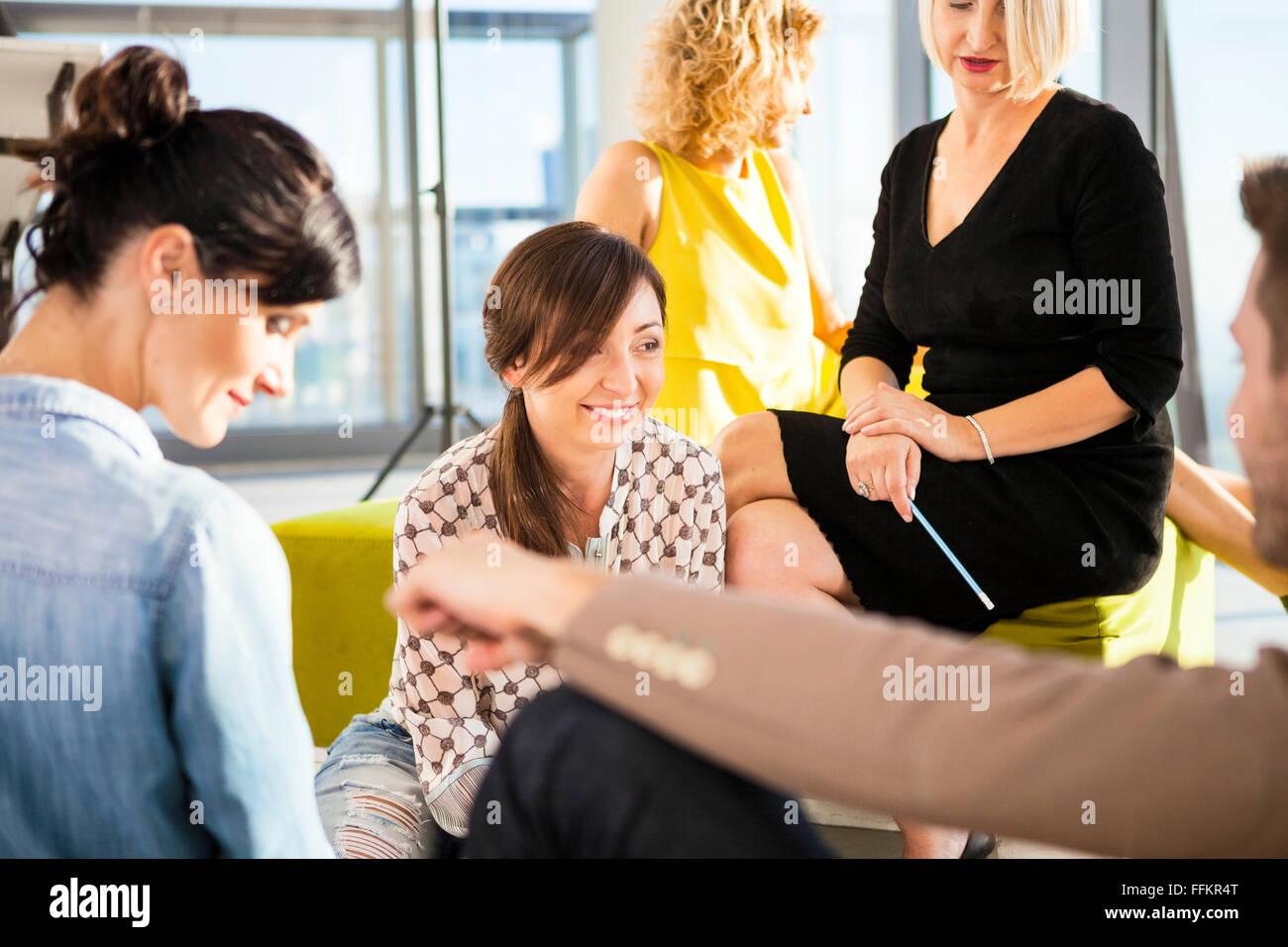 Équipe d'architectes en réunion d'affaires Banque D'Images
