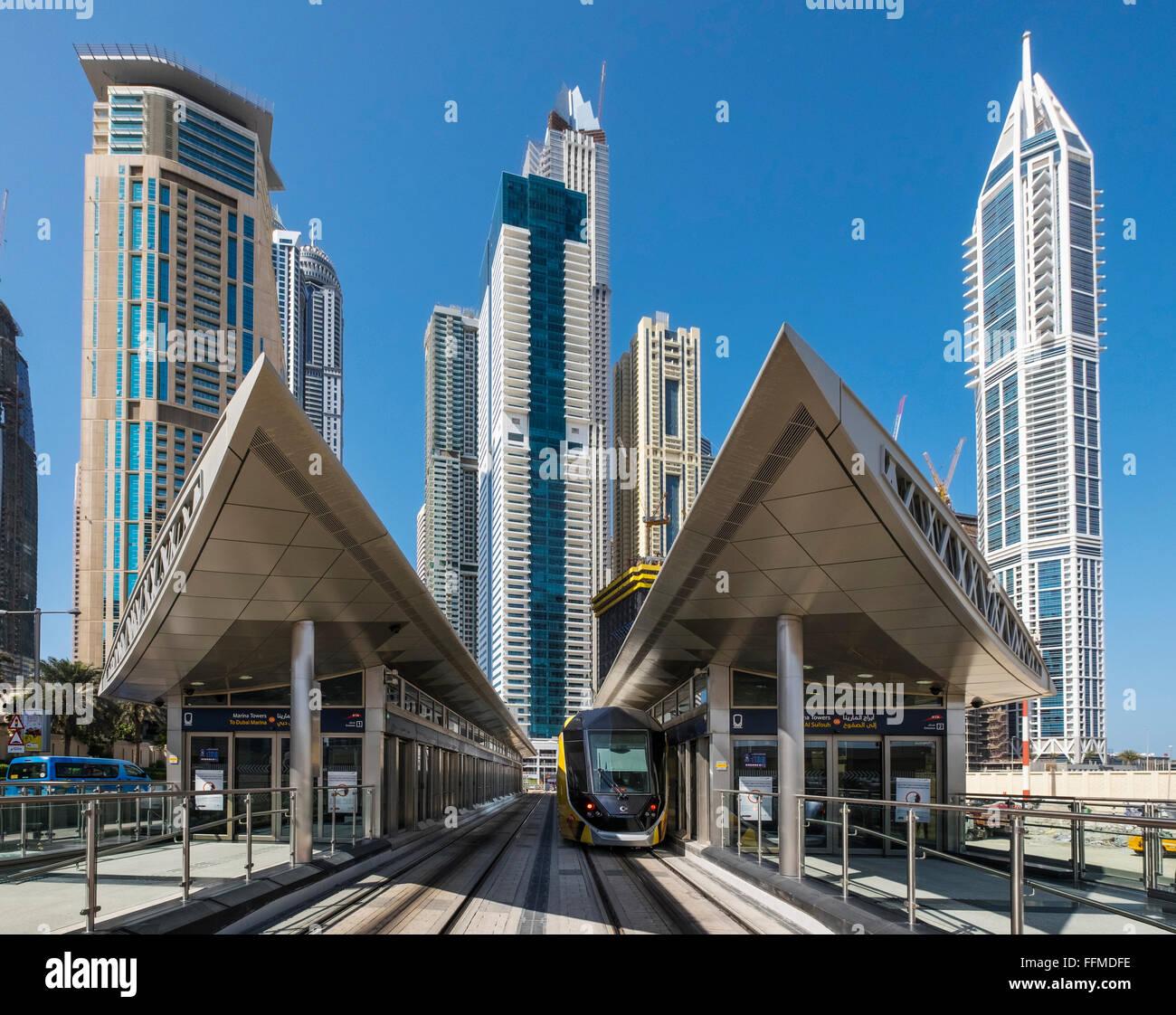 La gare la plus moderne pour système de tramway de Dubaï en Émirats Arabes Unis Photo Stock