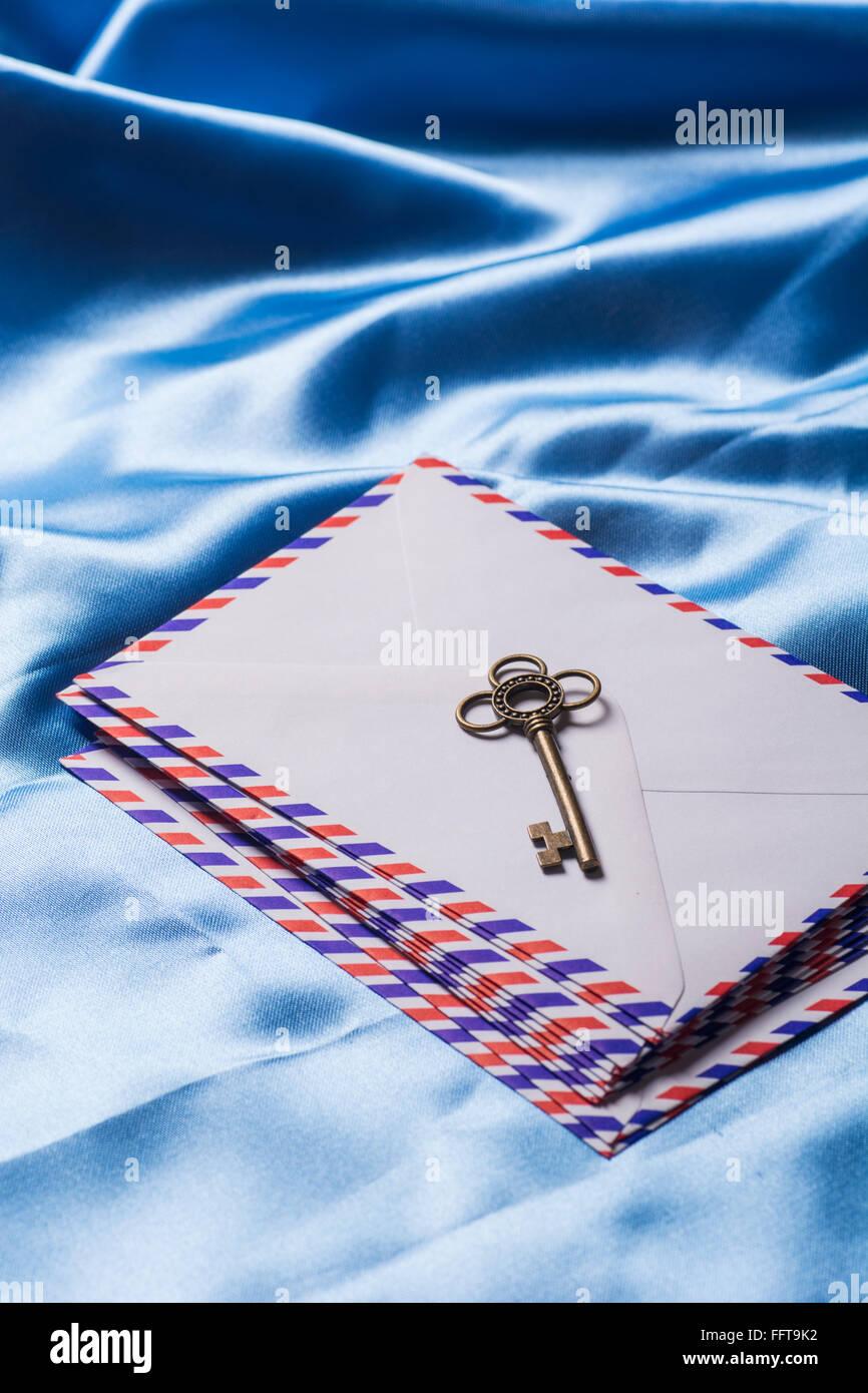 Ancienne clé plus de lettres Photo Stock