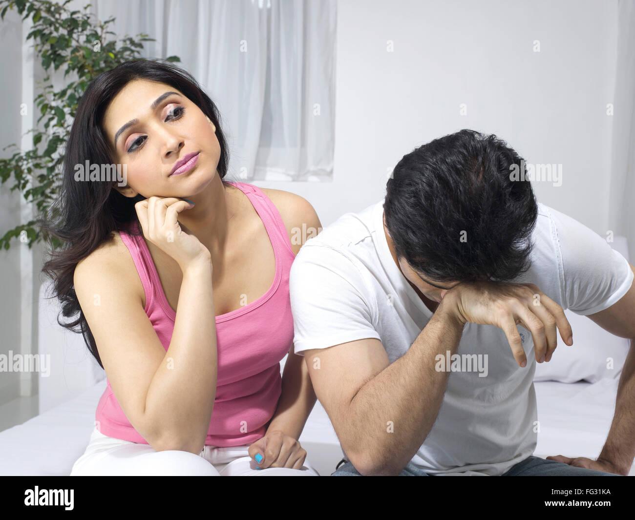 Couple dans l'humeur tendue; M.#779L; M.#779M Photo Stock