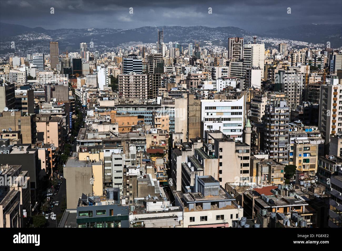 Gratte-ciel au soir à Beyrouth. Photo Stock