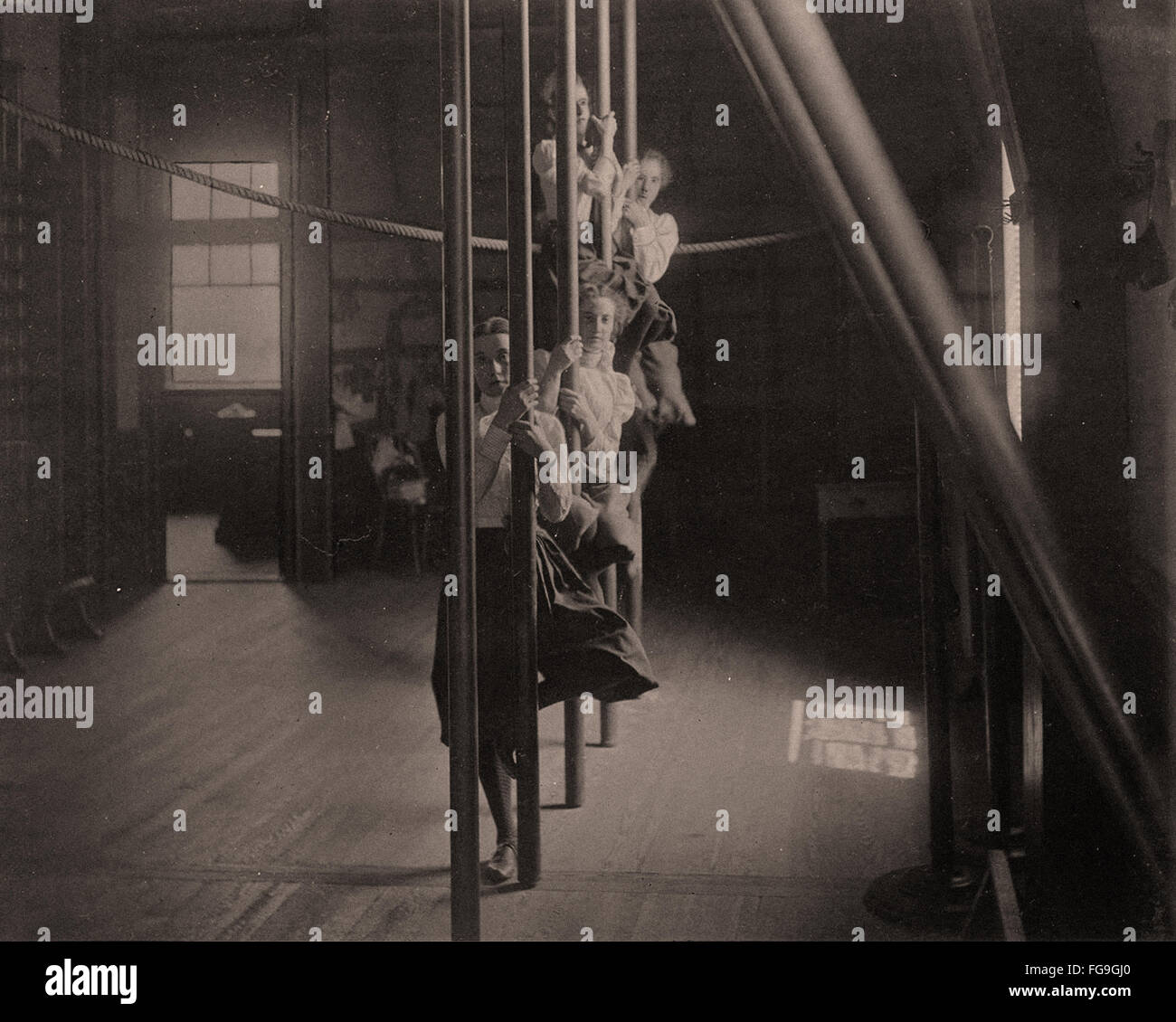 Girl high school la gymnastique, 1893 Photo Stock