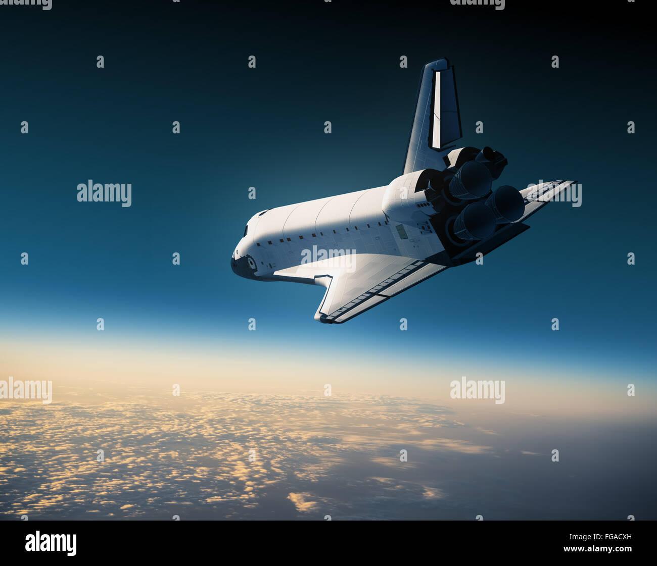 Navette spatiale volant dans le ciel. Scène 3D. Photo Stock
