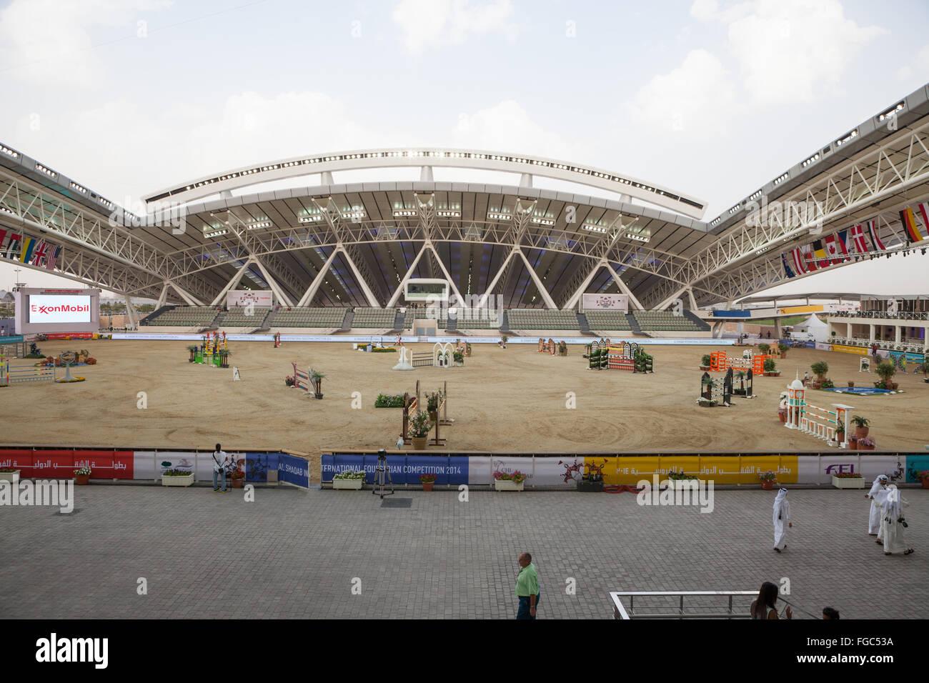 Les préparatifs pour le saut dans l'air extérieur arena au CHI Al Shaqab 2014 Photo Stock