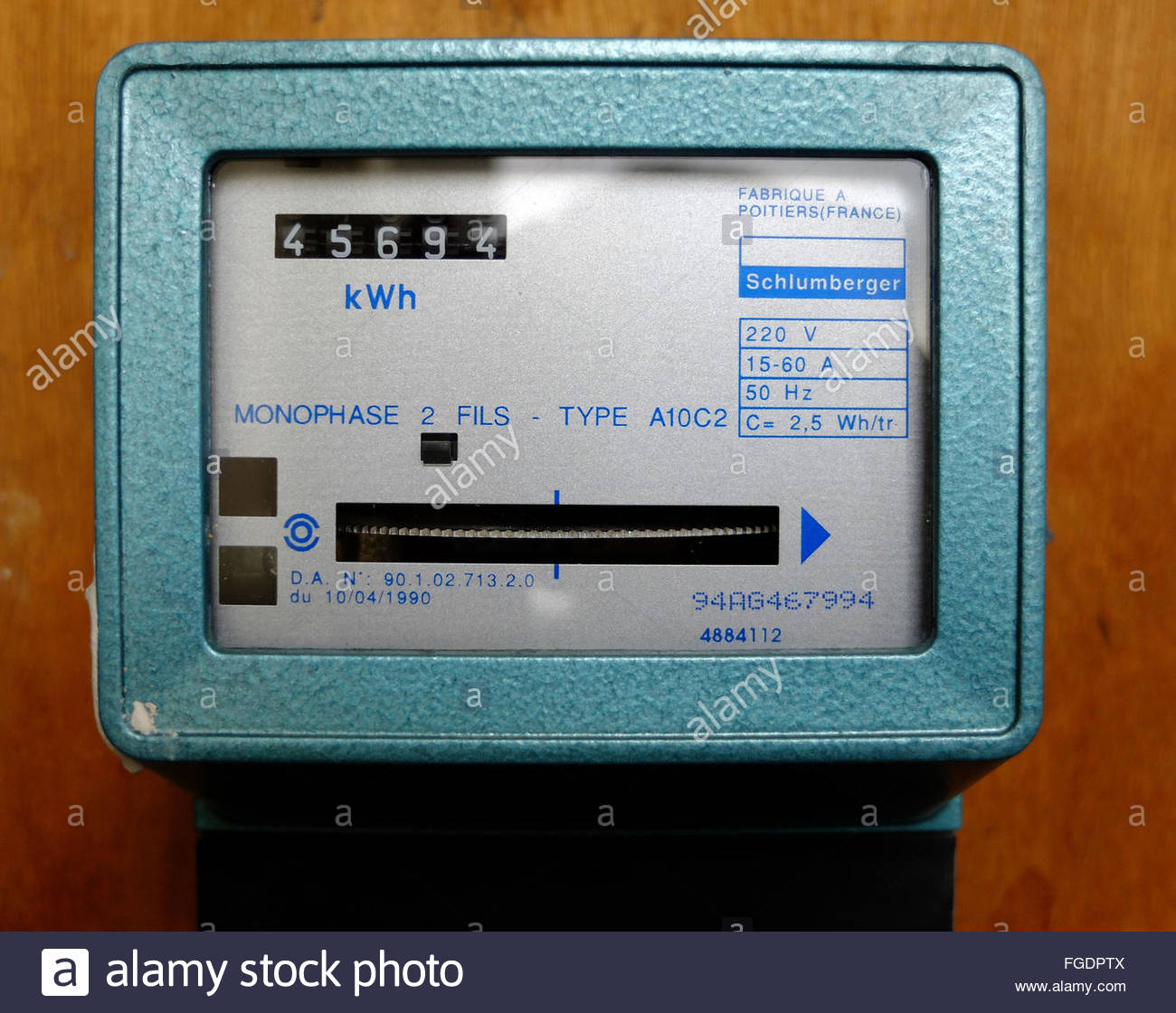 ancien compteur lectrique edf france banque d 39 images photo stock 96189658 alamy. Black Bedroom Furniture Sets. Home Design Ideas