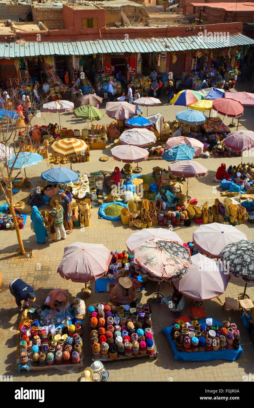 T Place du marché dans le souk de Marrakech, . Maroc Photo Stock