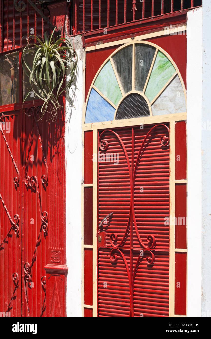 lamaison du fer la maison tropicale au muse du fer cest. Black Bedroom Furniture Sets. Home Design Ideas