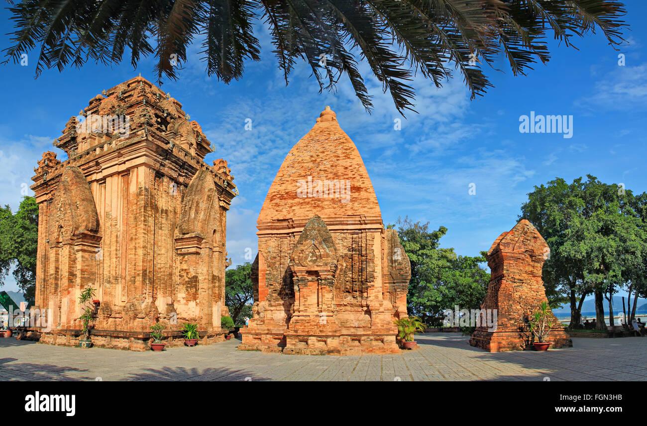 Po Ngar Cham Tours à Nha Trang, Vietnam. Tours ont été construites par la civilisation Cham. Photo Stock