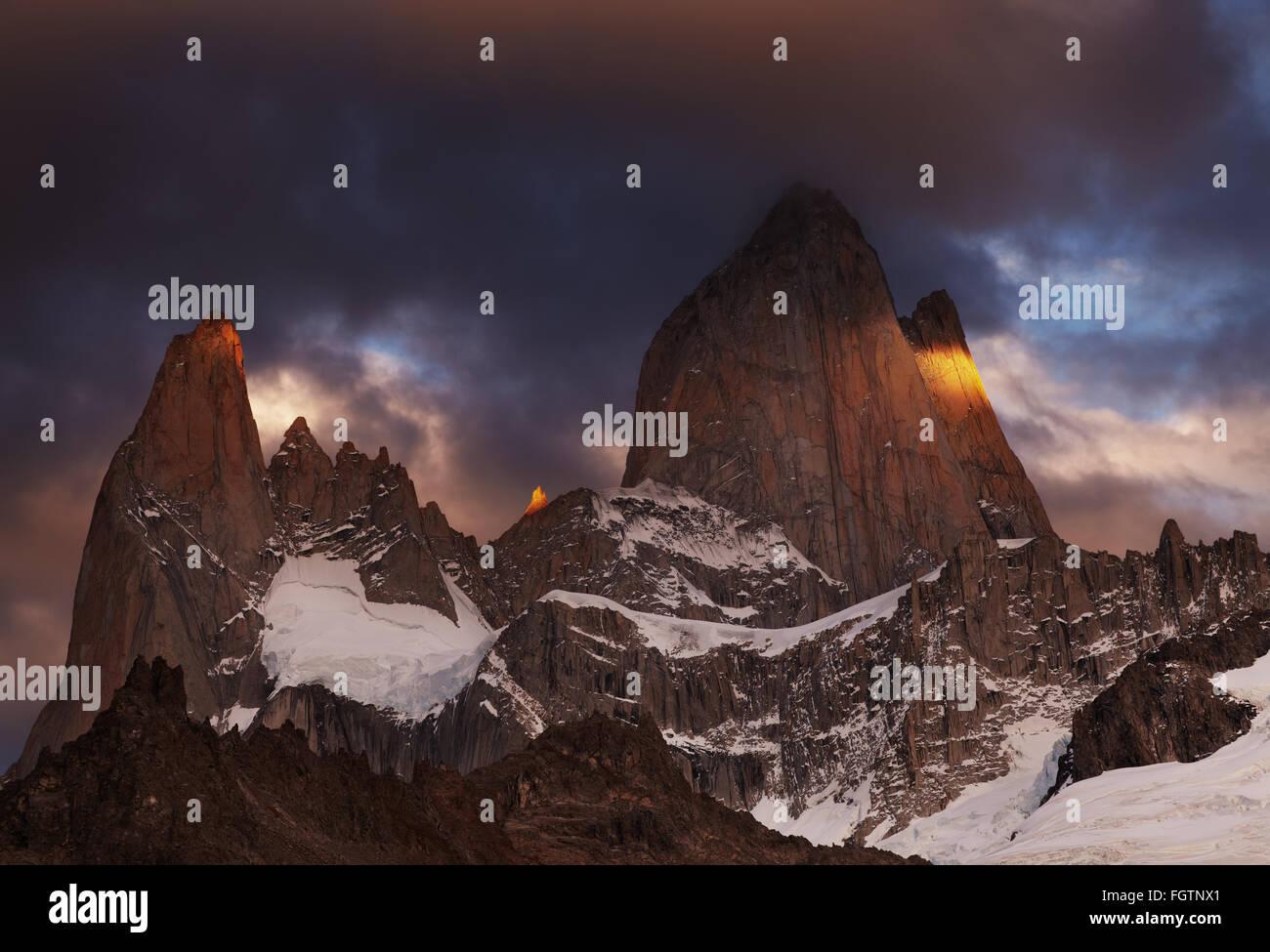 Mont Fitz Roy au lever du soleil, en Patagonie, Argentine Photo Stock