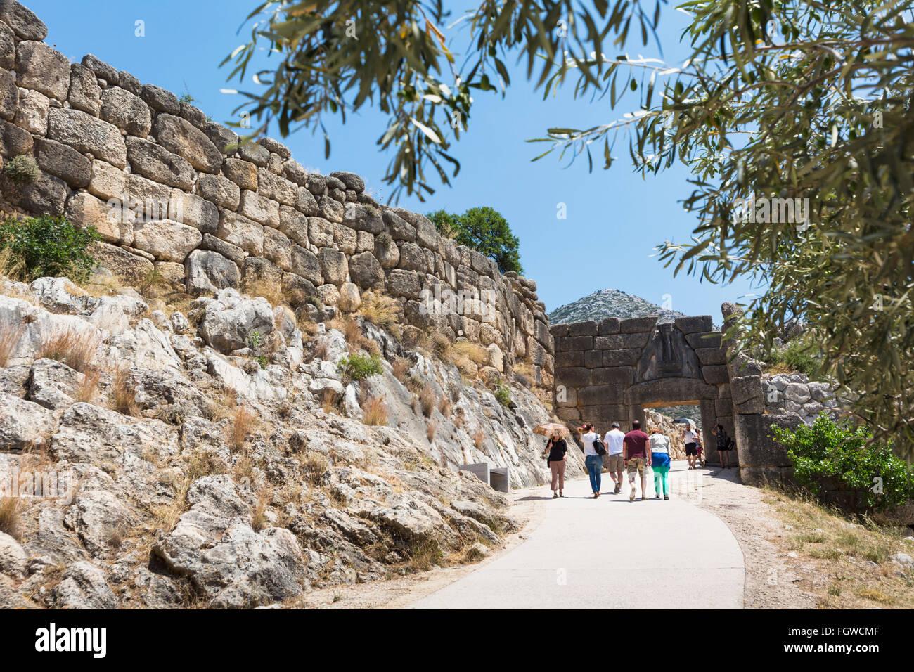 Mycènes, l'Argolide, Péloponnèse, Grèce. Le Lion Gate, datant du 13e siècle avant J. Photo Stock
