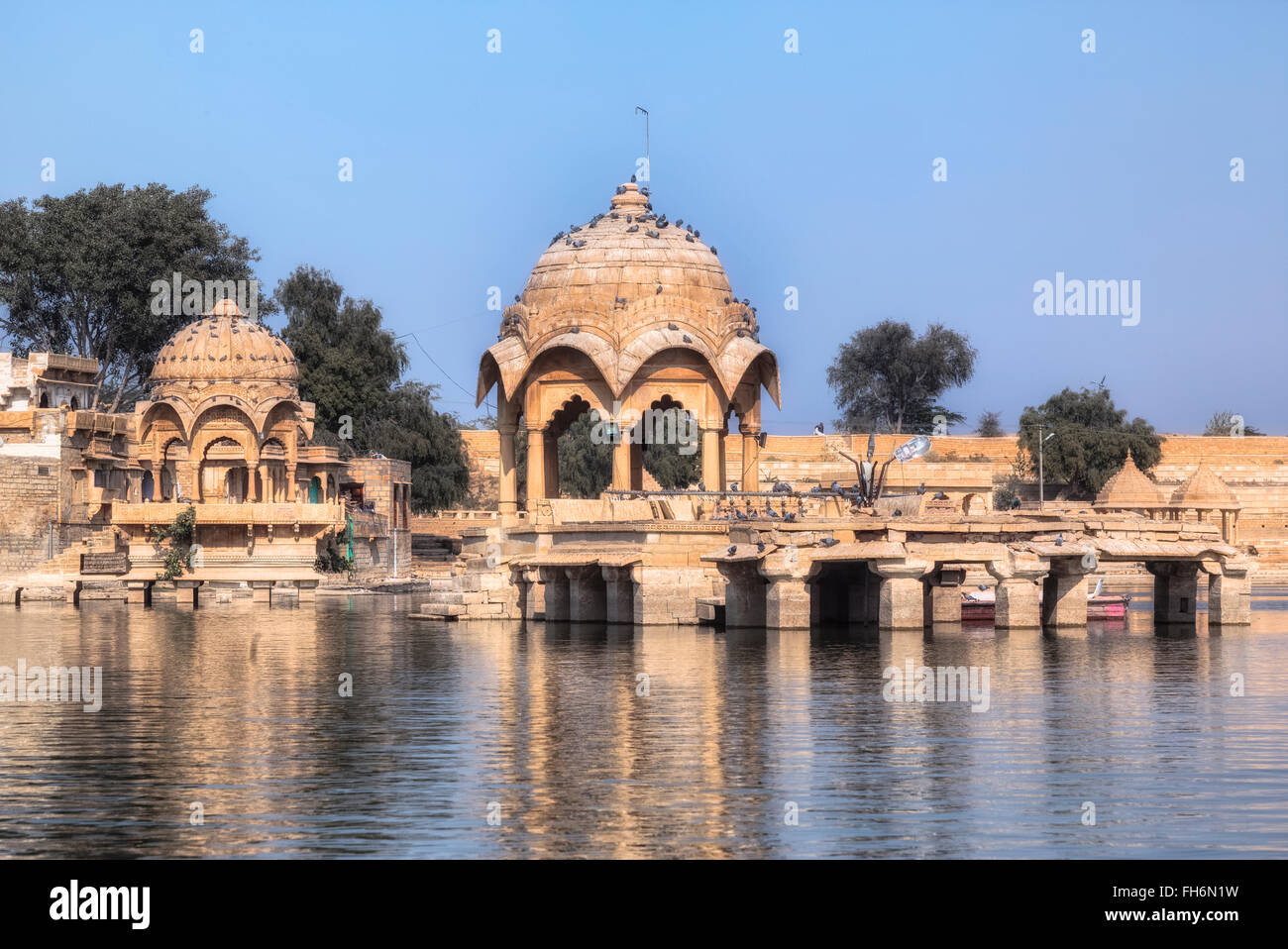 Ganga Sagar, Gadisar lake, Jaisalmer, Rajasthan, Inde, Asie; Banque D'Images