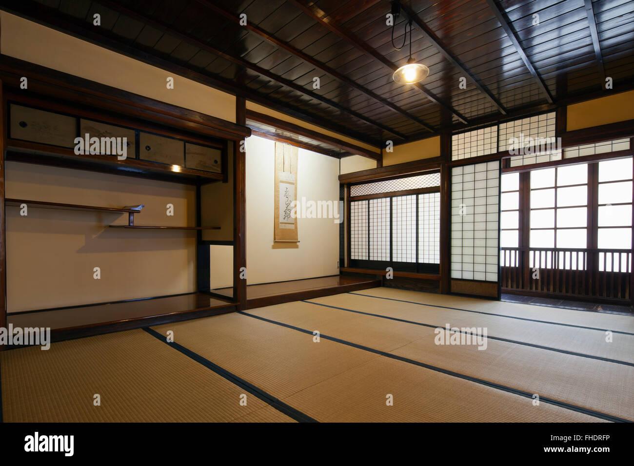 int rieur maison traditionnelle japonaise banque d 39 images photo stock 96804842 alamy. Black Bedroom Furniture Sets. Home Design Ideas