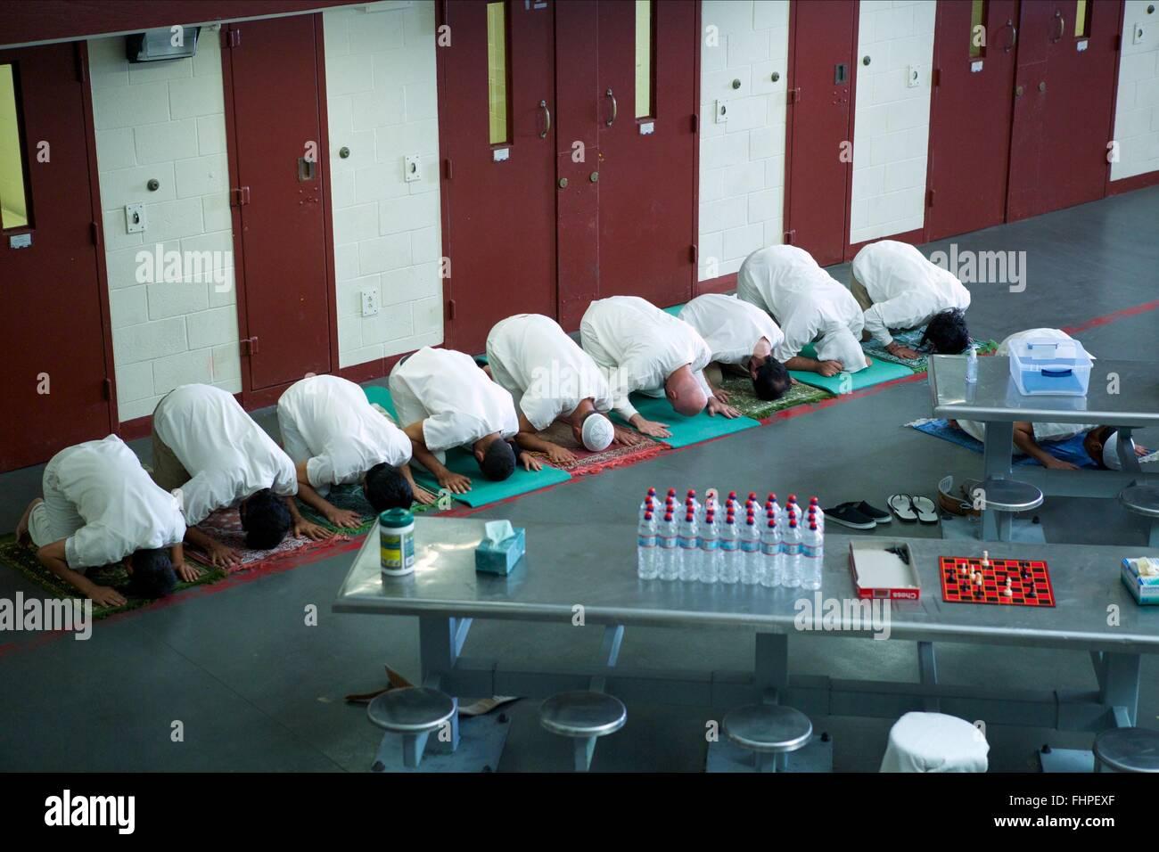 Les détenus musulmans PRIER CAMP X-RAY (2014) Photo Stock