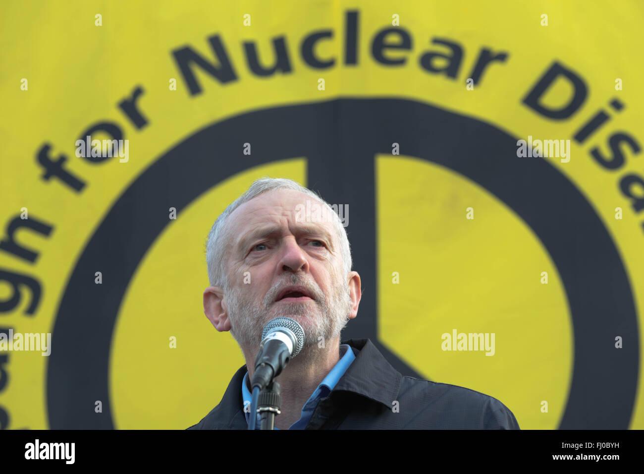 Londres, Royaume-Uni, le 27 février, 2016. Adresse Jeremy Corbyn plus grande manifestation anti-Trident Credit: Thabo Jaiyesimi/Alamy Live News Banque D'Images