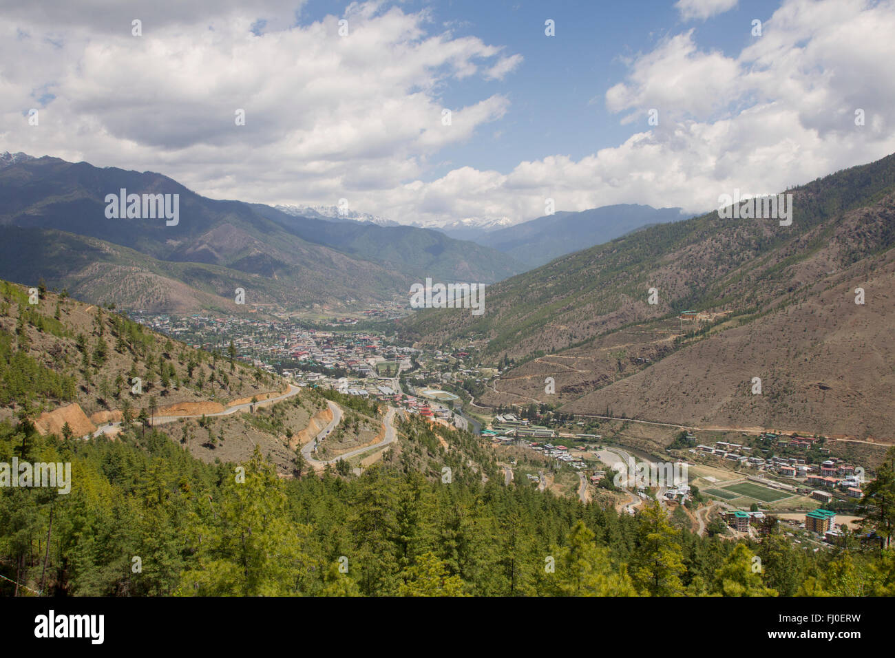 Vue sur Thimphu, capitale du Bhoutan Photo Stock