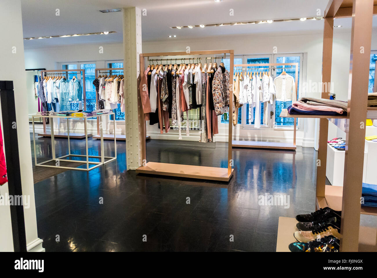 Paris, France, shopping, magasin de marque kenzo paris, le design  d intérieur, 1e5fcb3740e