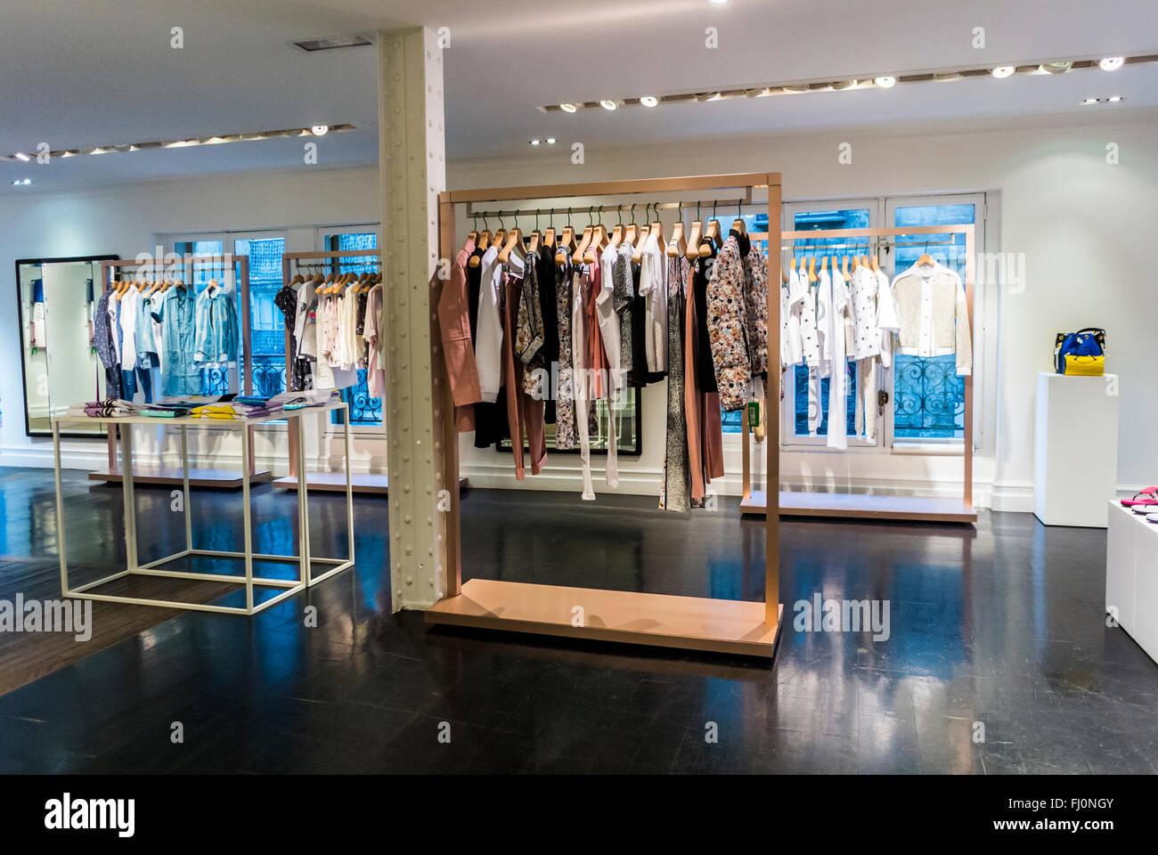 Paris, France, shopping, magasin de marque kenzo paris, le design  intérieur, l affichage f3e1ab69623