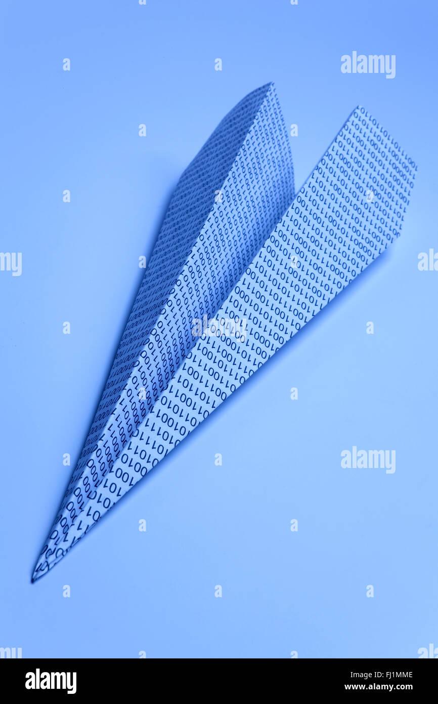 Flèche avec zéro papier et ceux Photo Stock