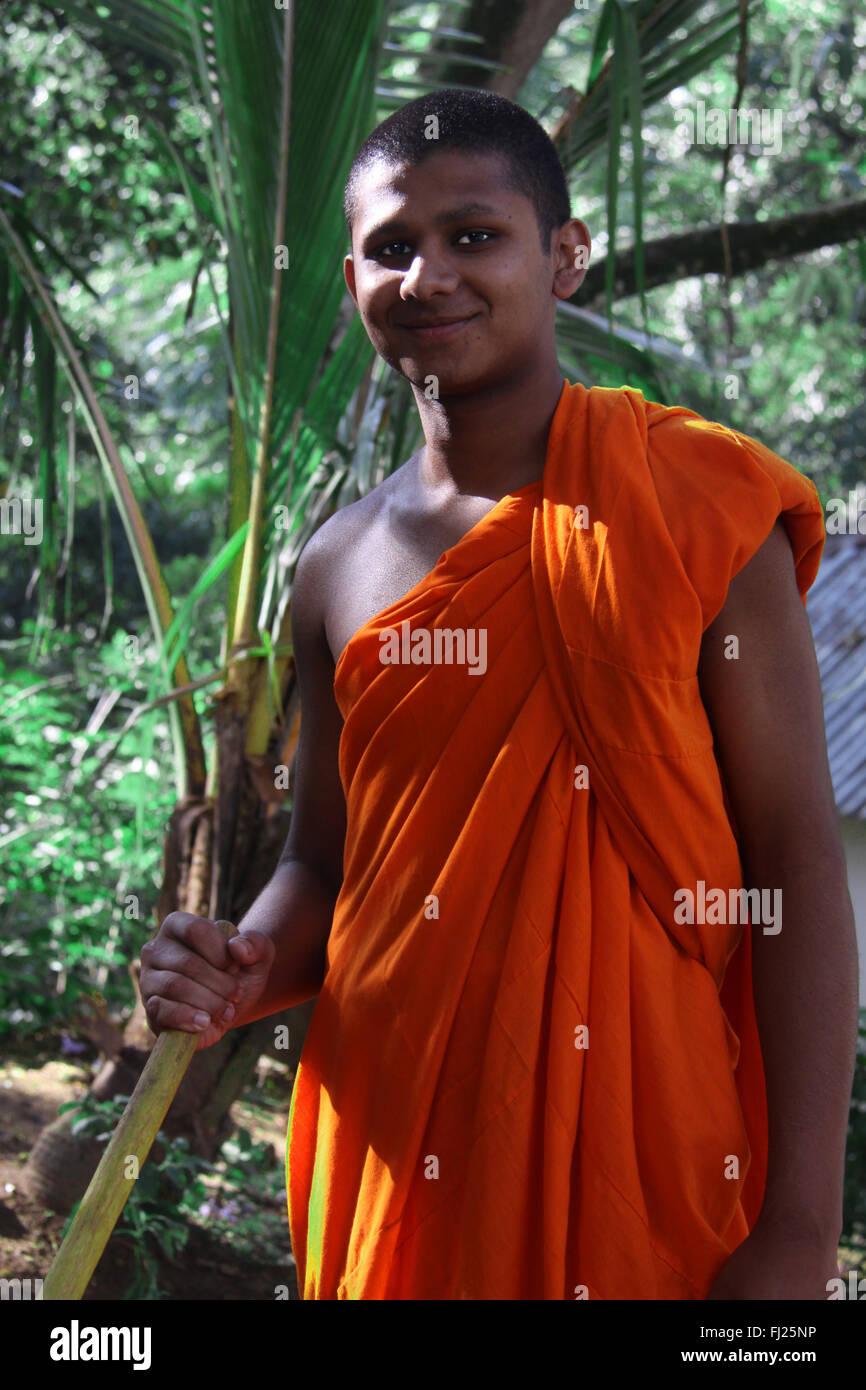 Portrait de moine Bouddhiste - l'homme au Sri Lanka Photo Stock