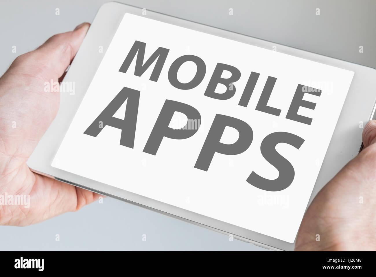 Mobile apps texte affiché sur l'écran tactile de la tablette ou smartphone. Concept pour le développement Photo Stock