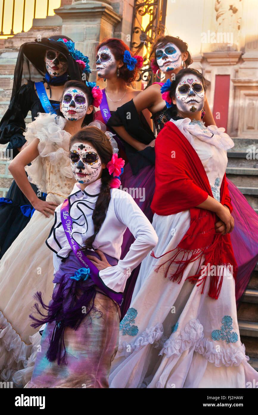 LA CALAVERA CATRINAS ou élégante des crânes, sont les icônes de la FÊTE DES MORTS - GUANAUATO, MEXIQUE Banque D'Images