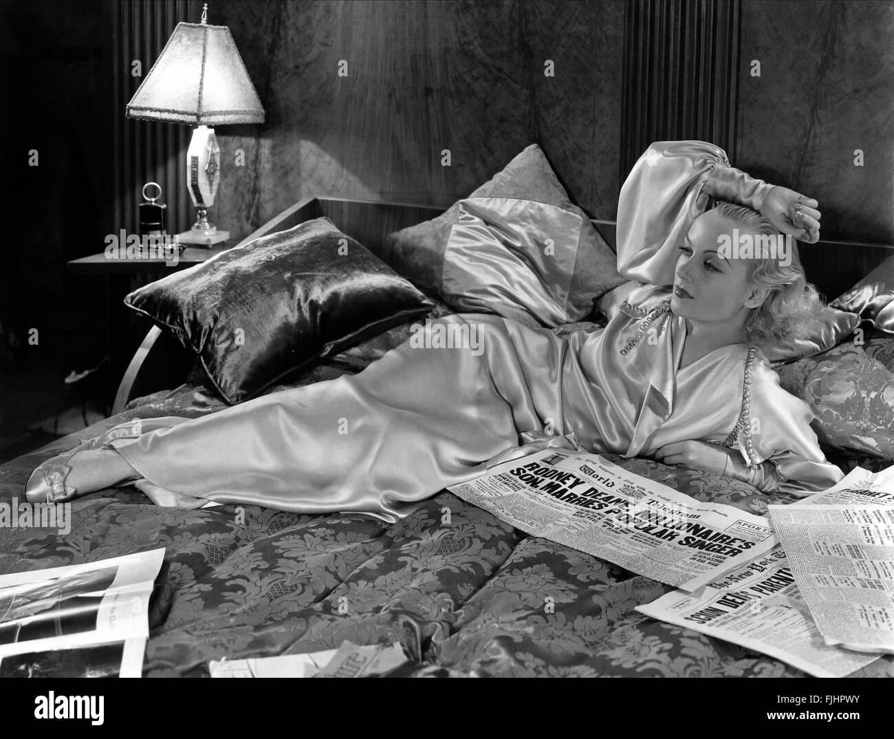 CAROLE LOMBARD BREF MOMENT (1933) Banque D'Images