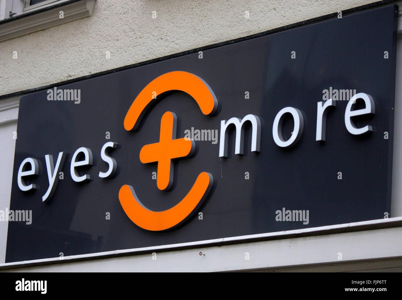 "Markenname: 'les yeux et plus"", Berlin. Photo Stock"