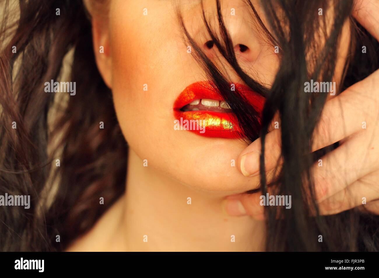 Portrait of Red Lipstick sur Belle Femme Banque D'Images