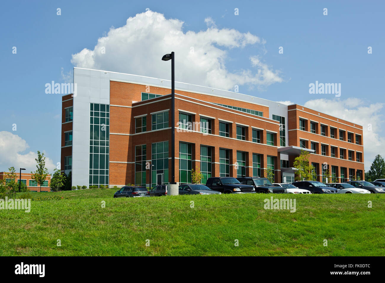 Le bâtiment de bureaux, écoles, hôpitaux, édifices gouvernementaux Photo Stock