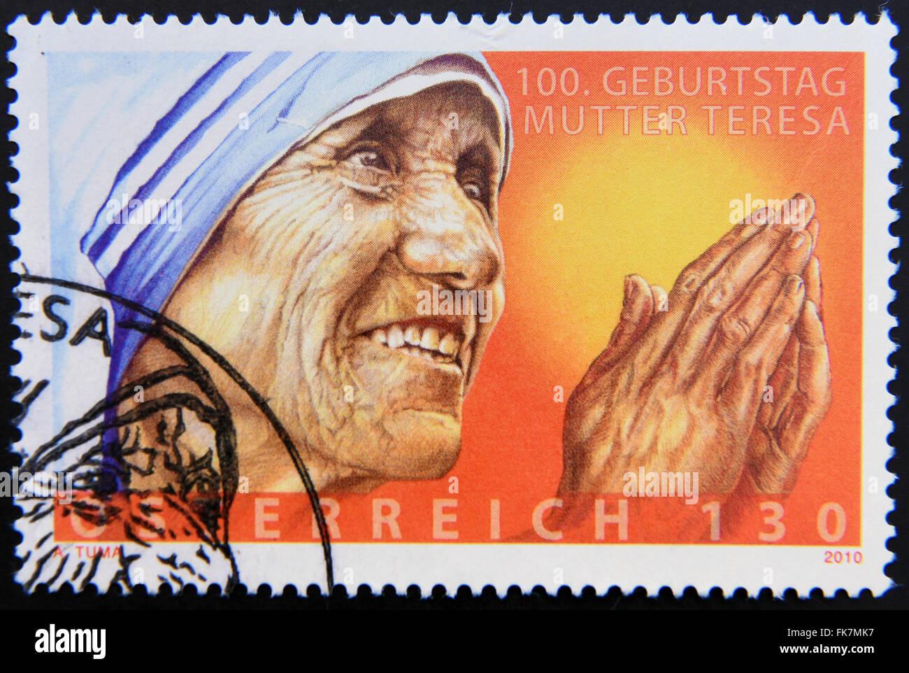 Autriche - circa 2010: timbre imprimé en Autriche montrant une image de mère Teresa, vers 2010. Banque D'Images