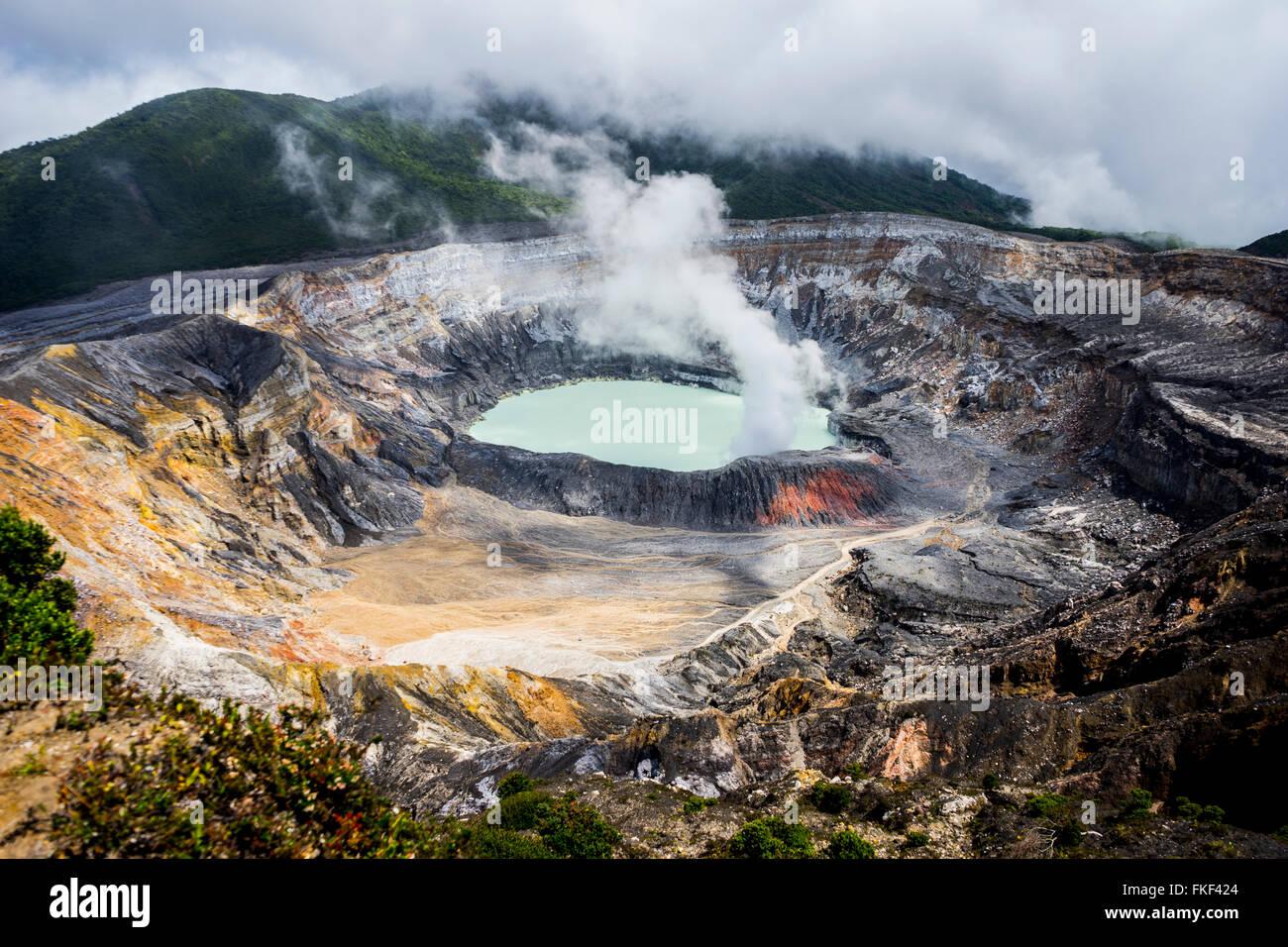 Le Volcan Poas, au Costa Rica Banque D'Images