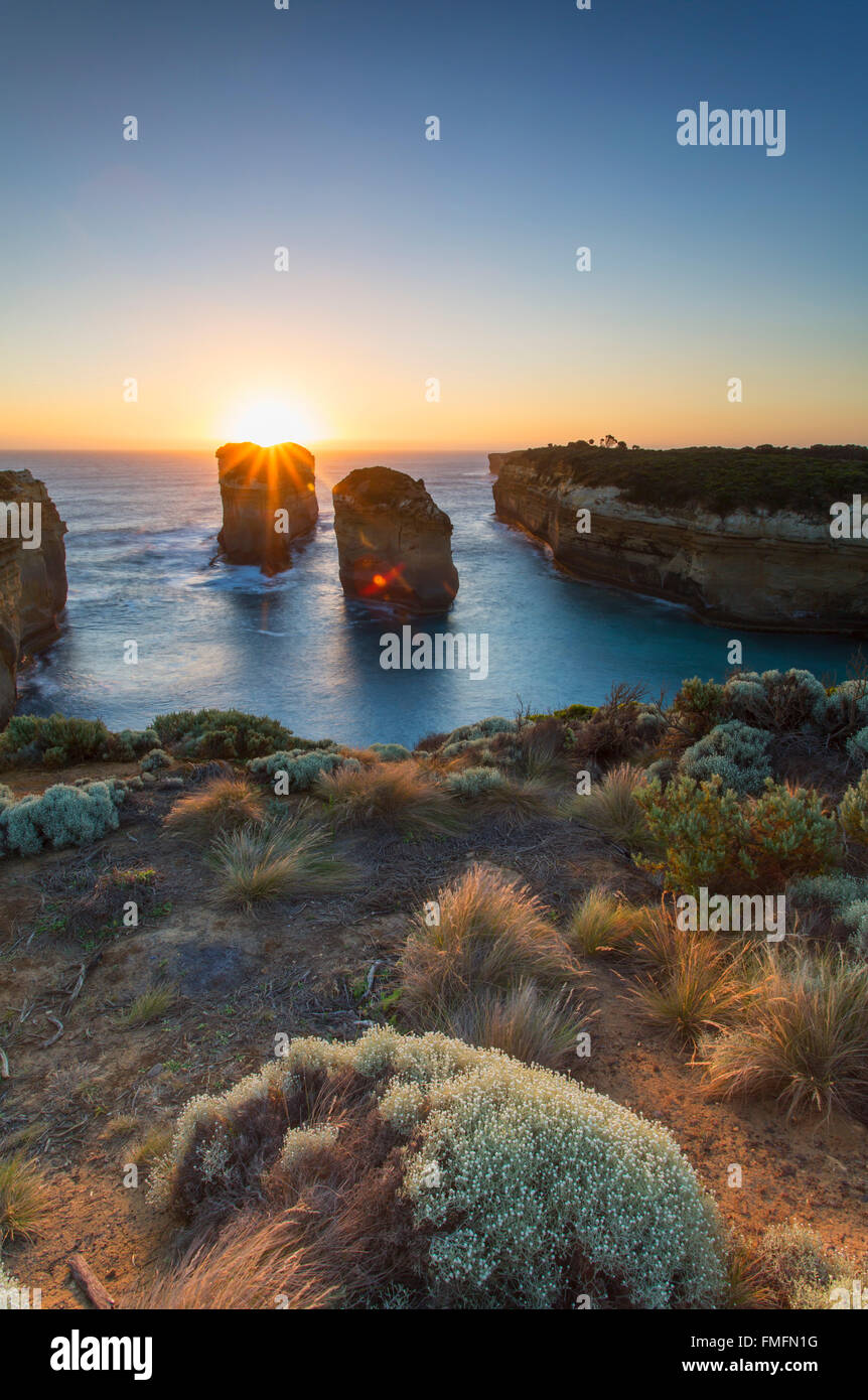 Loch Ard Gorge au coucher du soleil, Port Campbell National Park, Great Ocean Road, Victoria, Australie Photo Stock