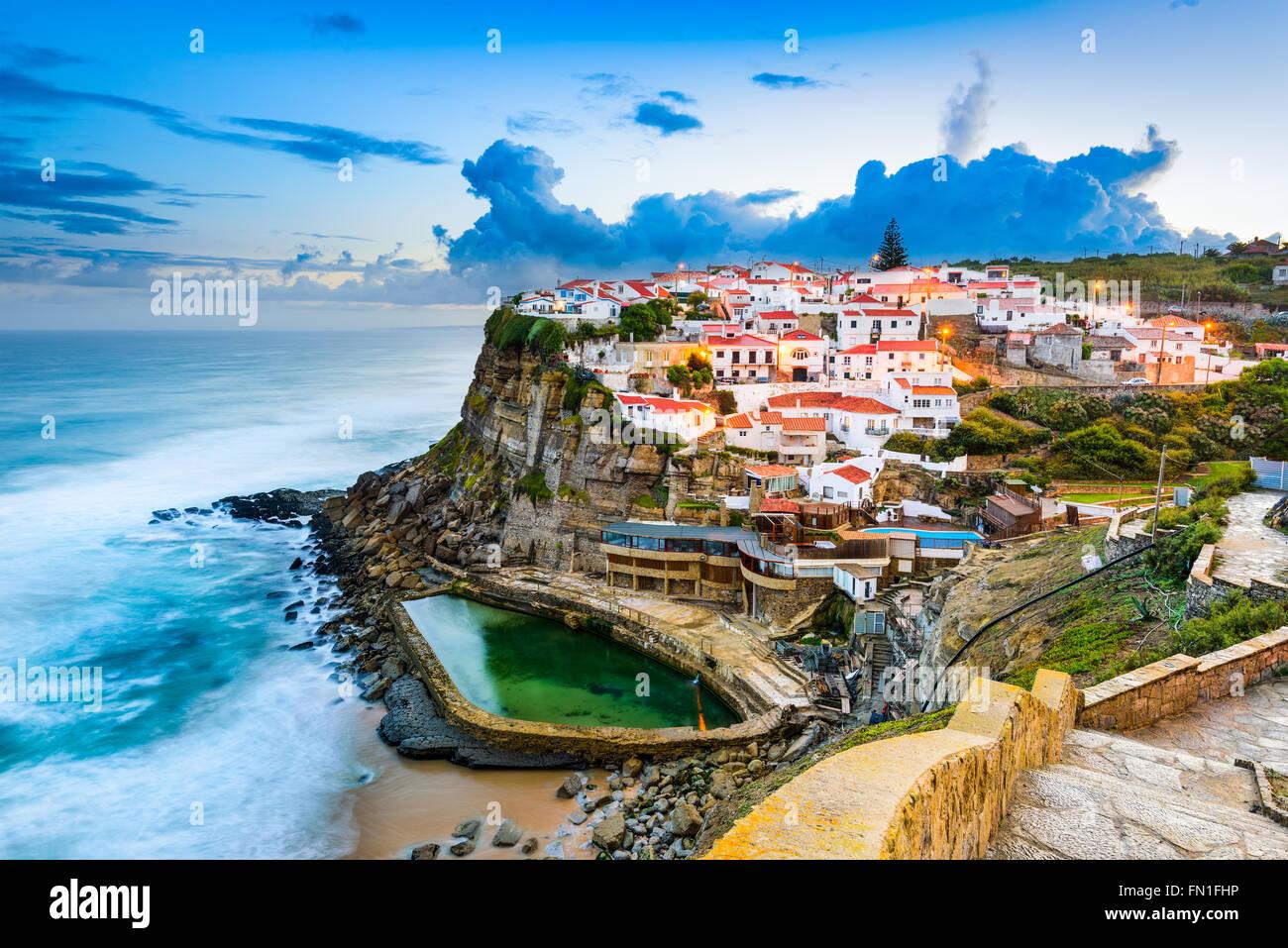 Praia das Maçãs, Portugal ville côtière. Photo Stock