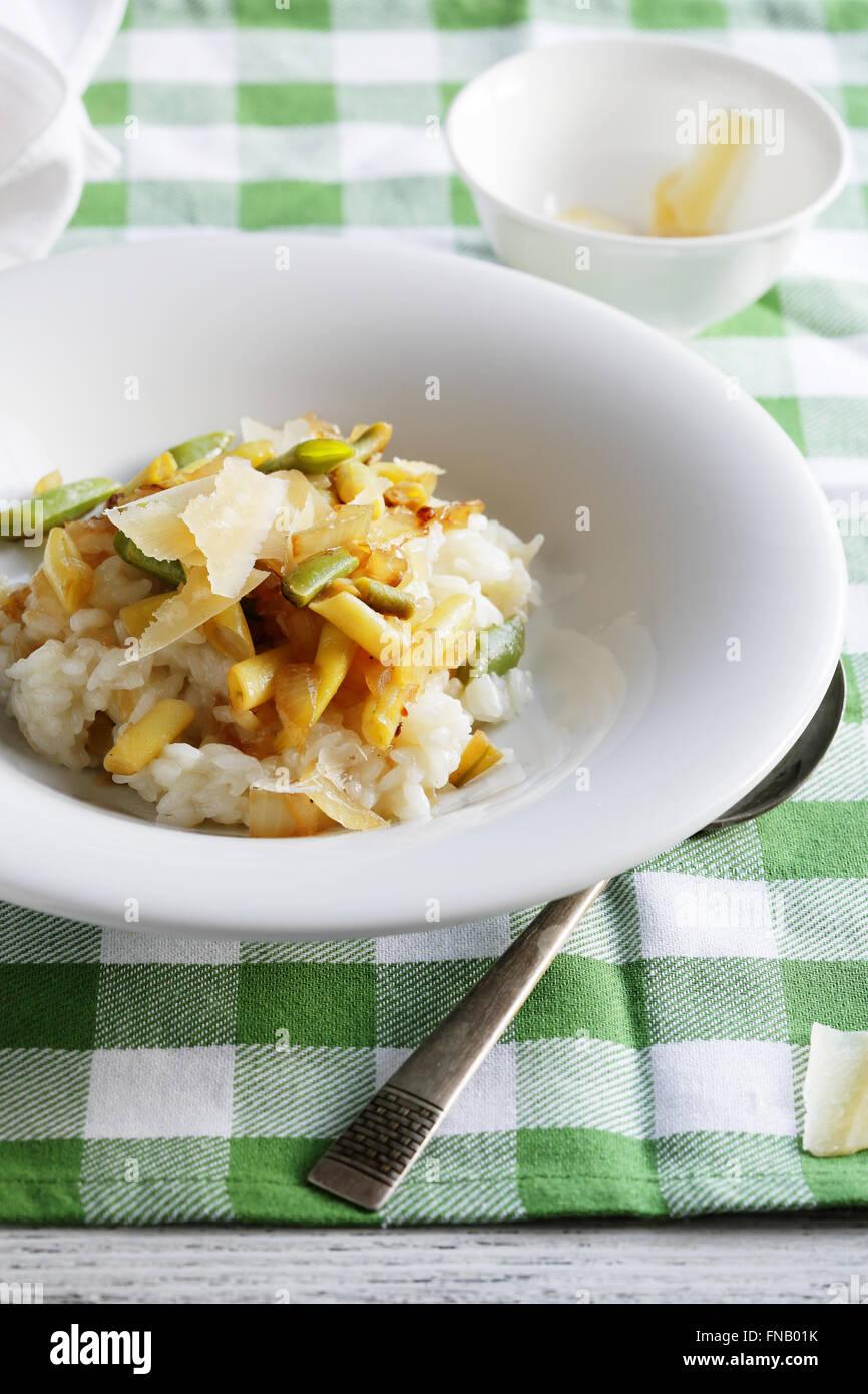 Risotto aux poivrons Haricots verts, gros plan de l'alimentation Photo Stock