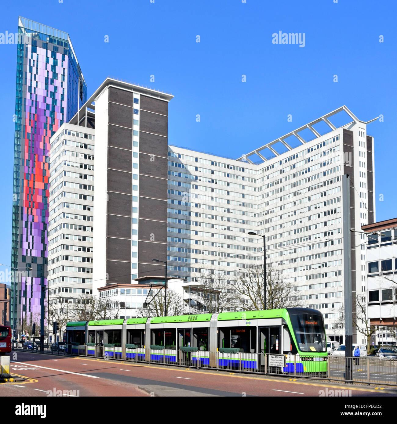 Passage de tramway Croydon House lunaire Home Office UK Les visas et l'Immigration la construction de nouveaux ministères Banque D'Images