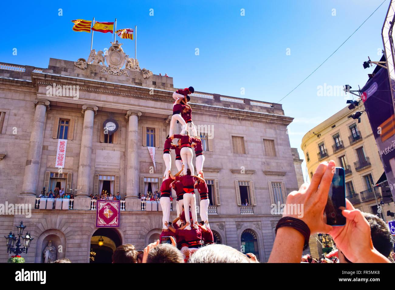 Tours humaines 24. Merce Festival. La Plaça Sant Jume, Barcelone, Catalogne, Espagne. Banque D'Images