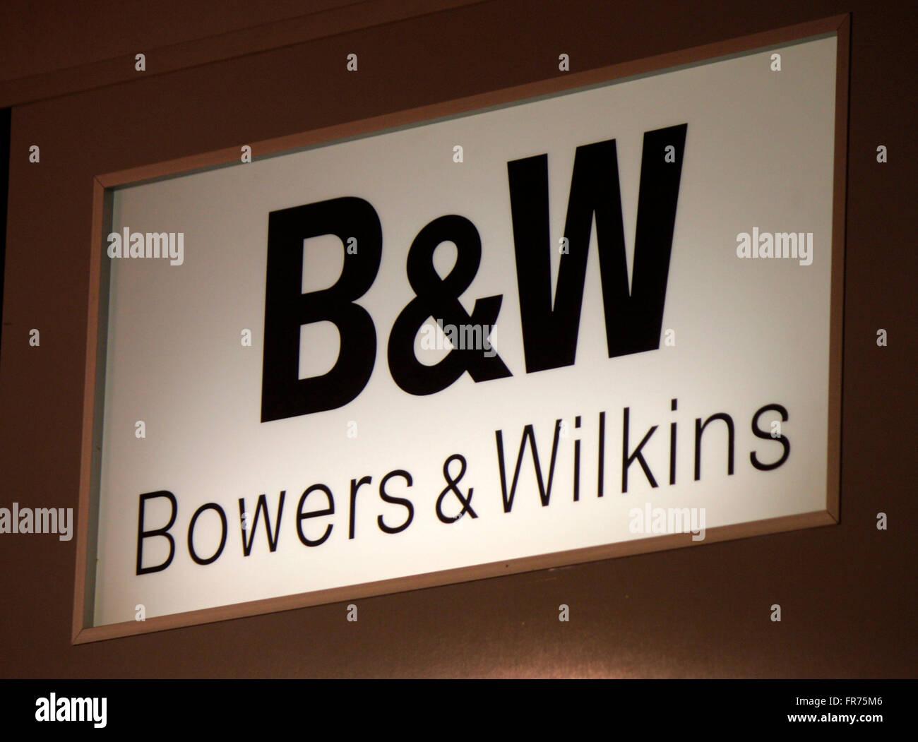 Markenname: 'B & W Bowers & Wilkins, Berlin. Photo Stock