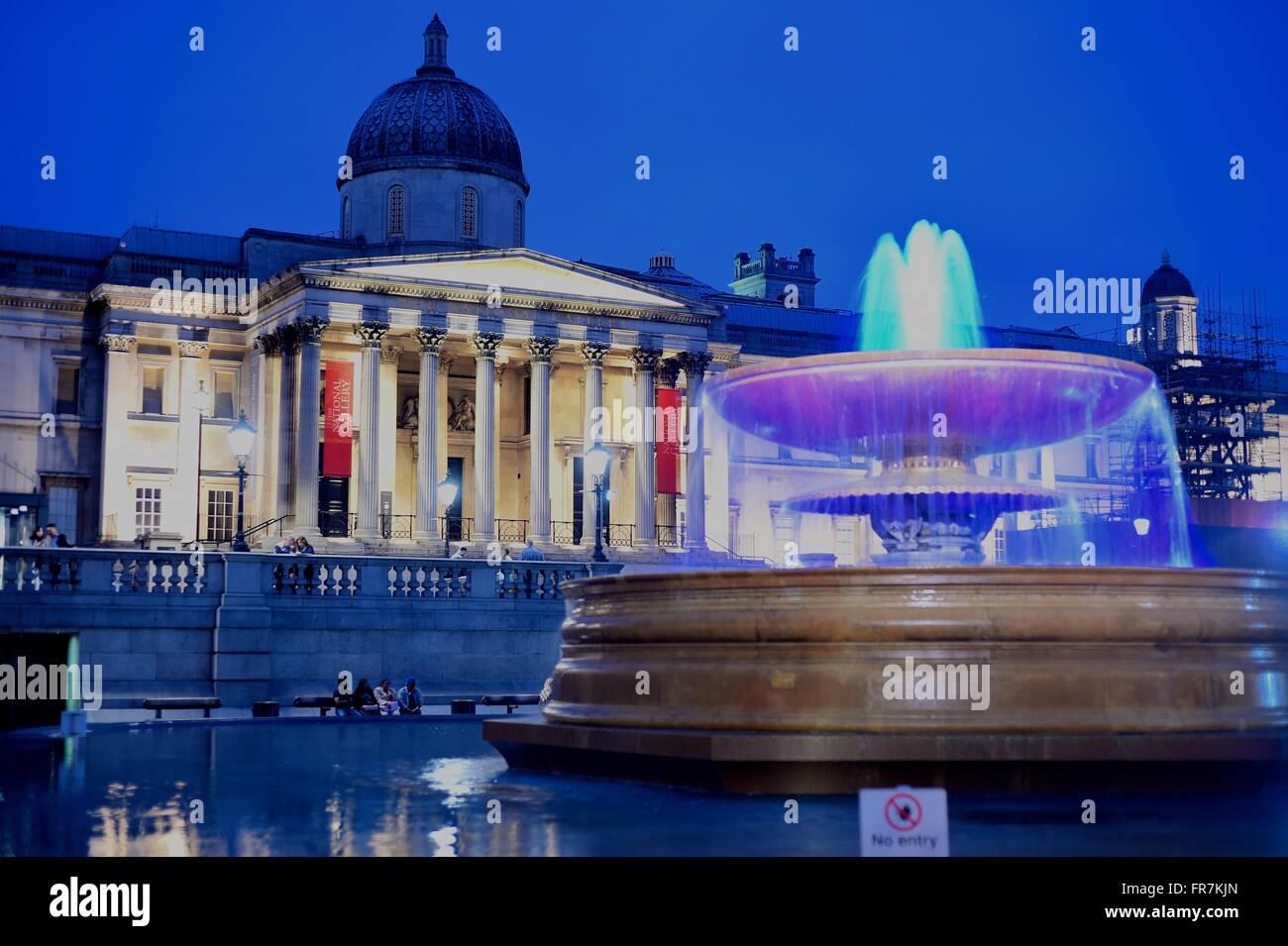 National Gallery, Trafalgar Square, Londres, Musée, expositions. L'eau des fontaines, Photo Stock