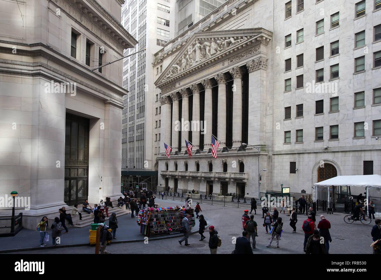 New York Stock Exchange à l'intersection de large et Wall Street à New York City, New York, États Photo Stock