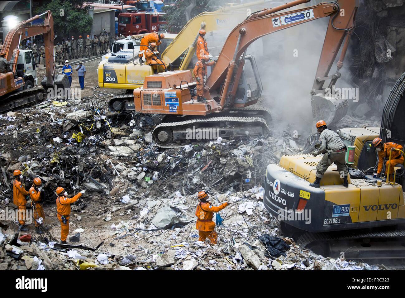 Décombres de bâtiments qui se sont effondrés dans la rue 13 mai le 25 janvier 2012 Photo Stock