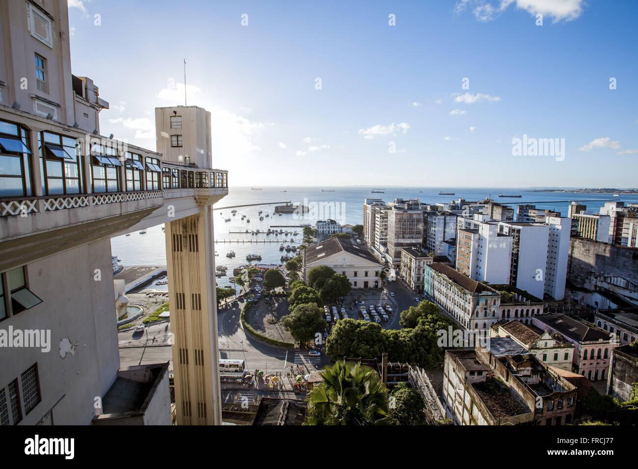 Ascenseur Lacerda - lien entre la ville basse et la ville haute Photo Stock
