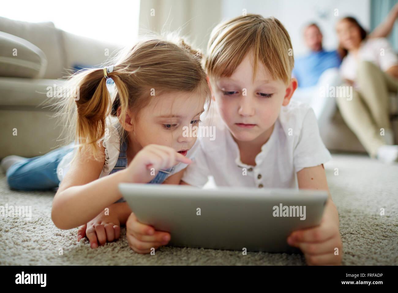 Enfants de réseautage Photo Stock
