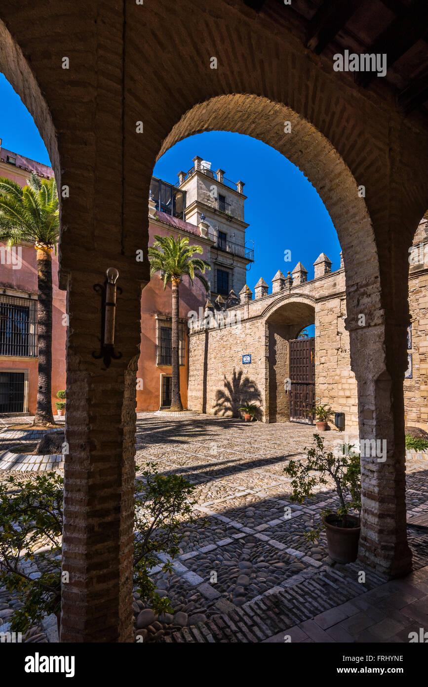 Patio de Armas, Alcazar, Jerez de la Frontera, Andalousie, Espagne Photo Stock