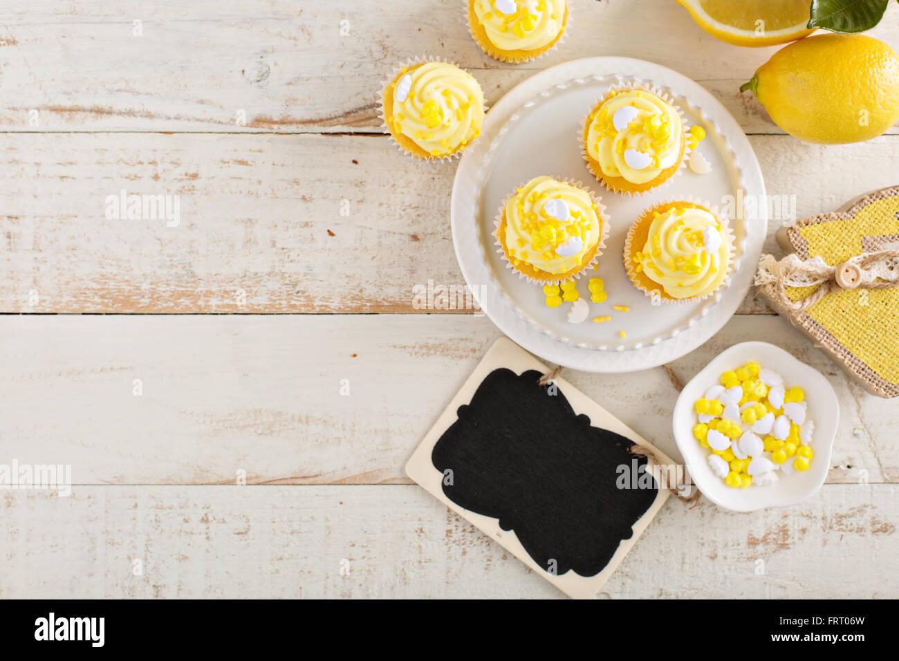 Cupcakes au citron pour Pâques Photo Stock
