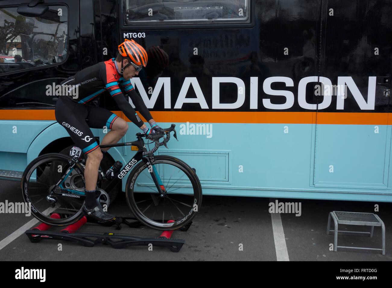 Tireur de Taylor Madison Genèse pro cycling team avant la 2e étape du Tour de Normandie 2016, Vernon, Photo Stock