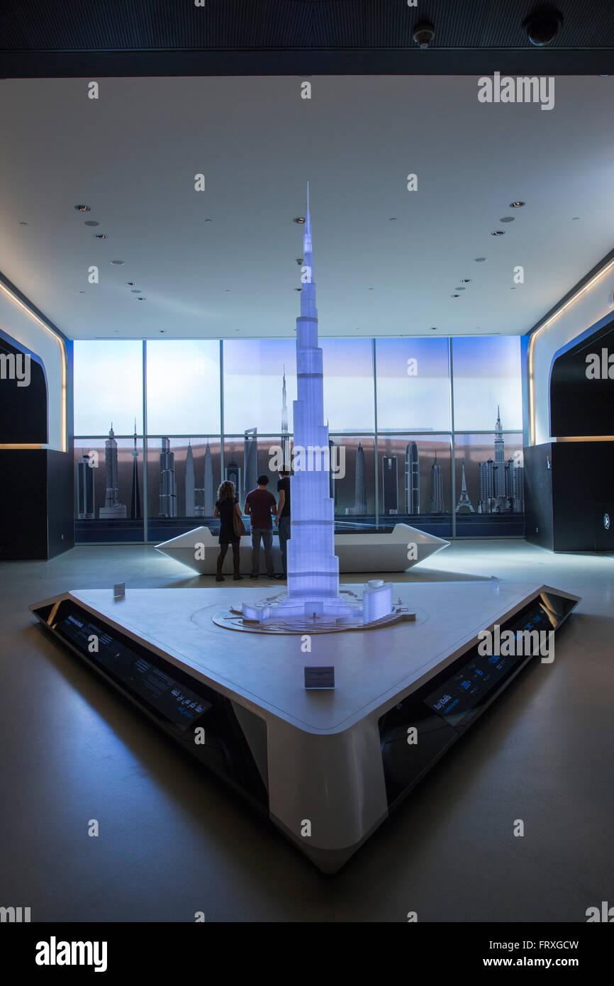 mod�le de burj khalifa dans le hall d'entr�e de la tour