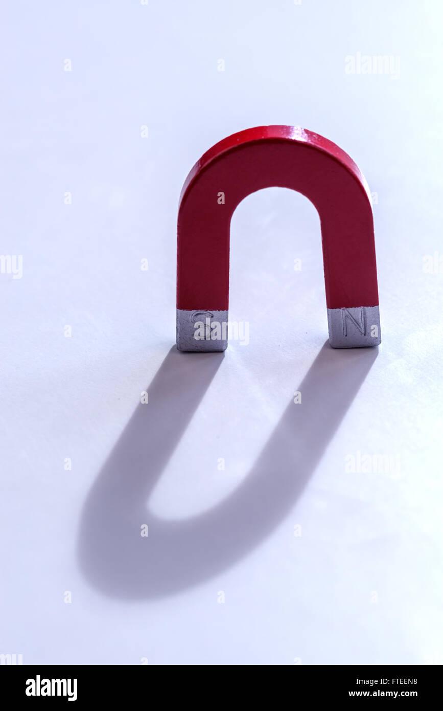 Concept de l'aimant rouge close up Photo Stock