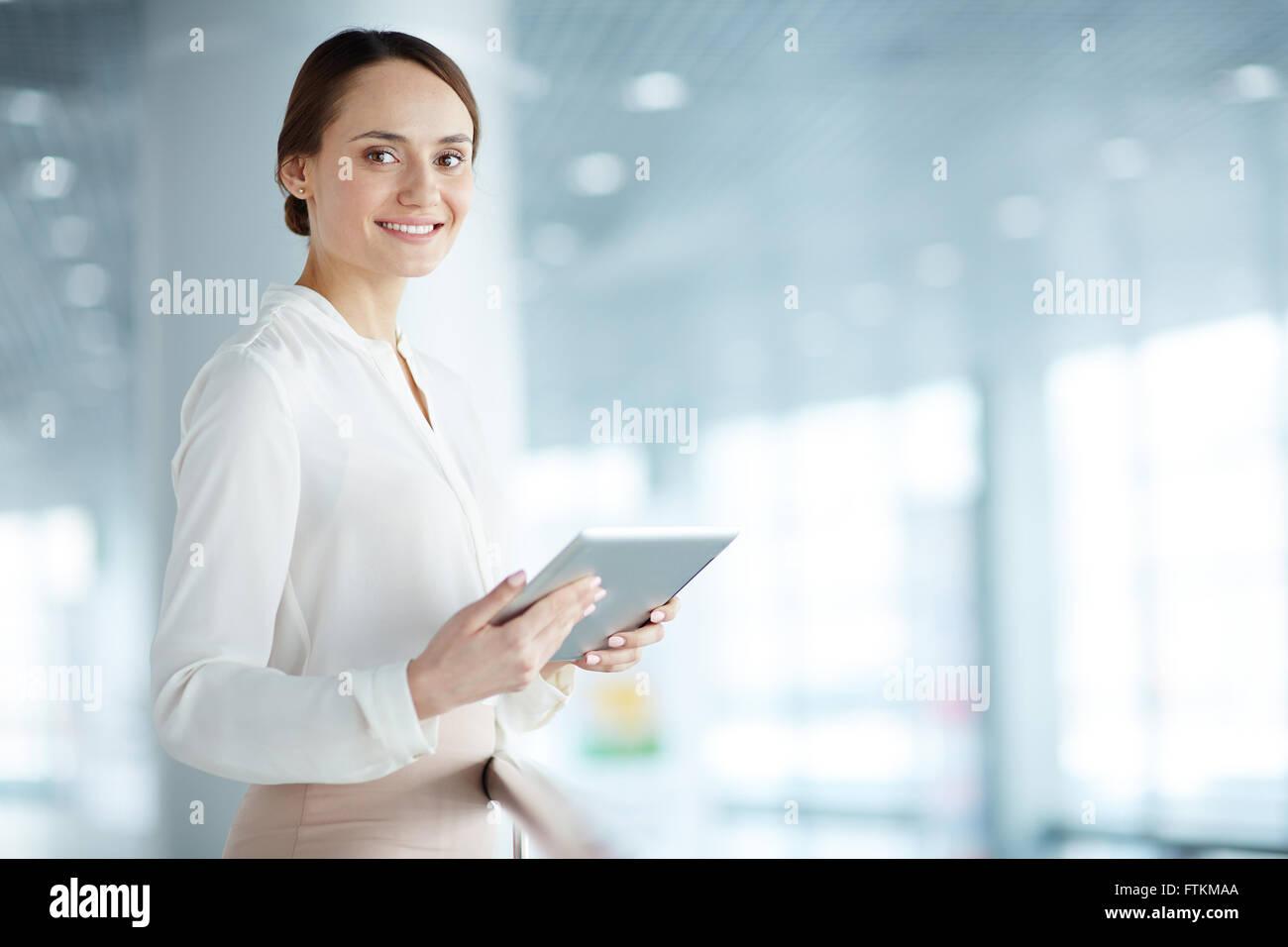 Femme avec touchpad Photo Stock