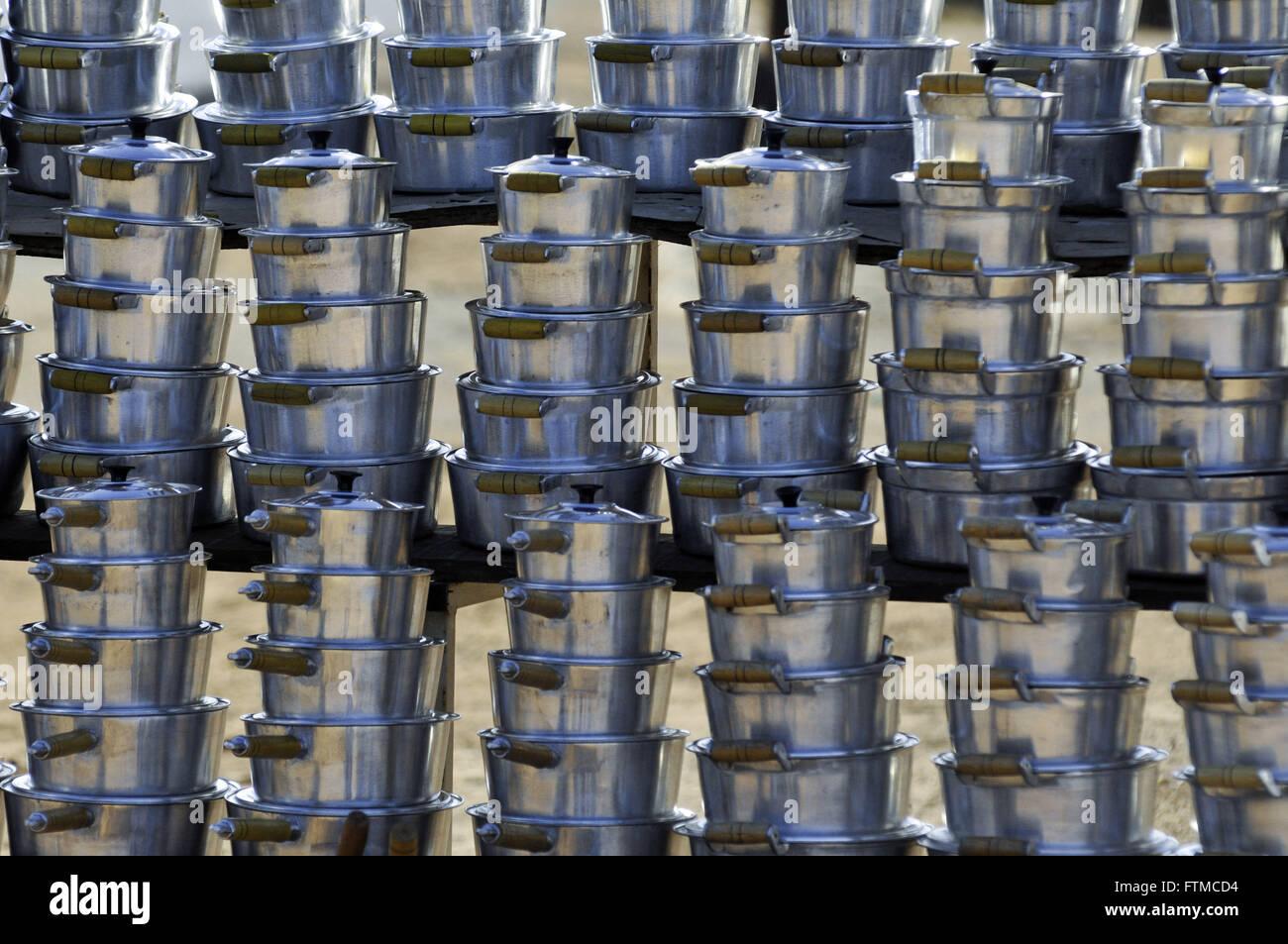 De cuisson en aluminium vendu dans le centre commercial de la ville Photo Stock